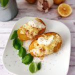 Pieczone ziemniaki z boczkiem i cebulą