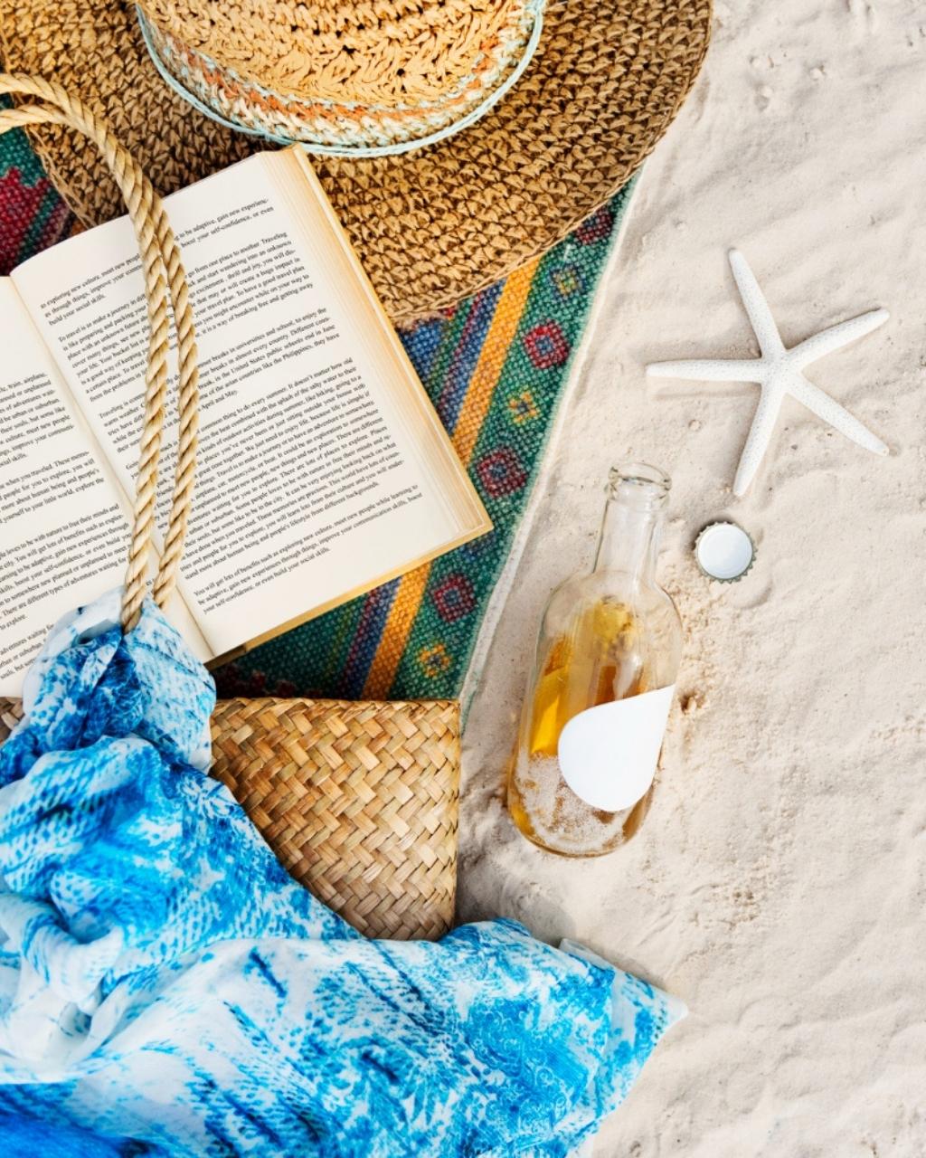 12 książek na lato, które warto przeczytać na urlopie